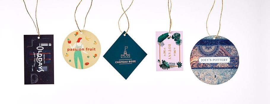 Étiquettes en papier et badges