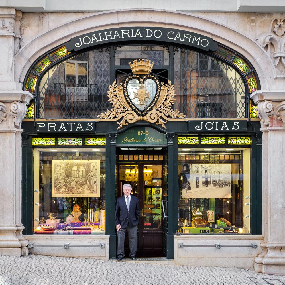 Alfredo Sampaio connait les nombreuses histoires qui sont liées à sa boutique de bijoux