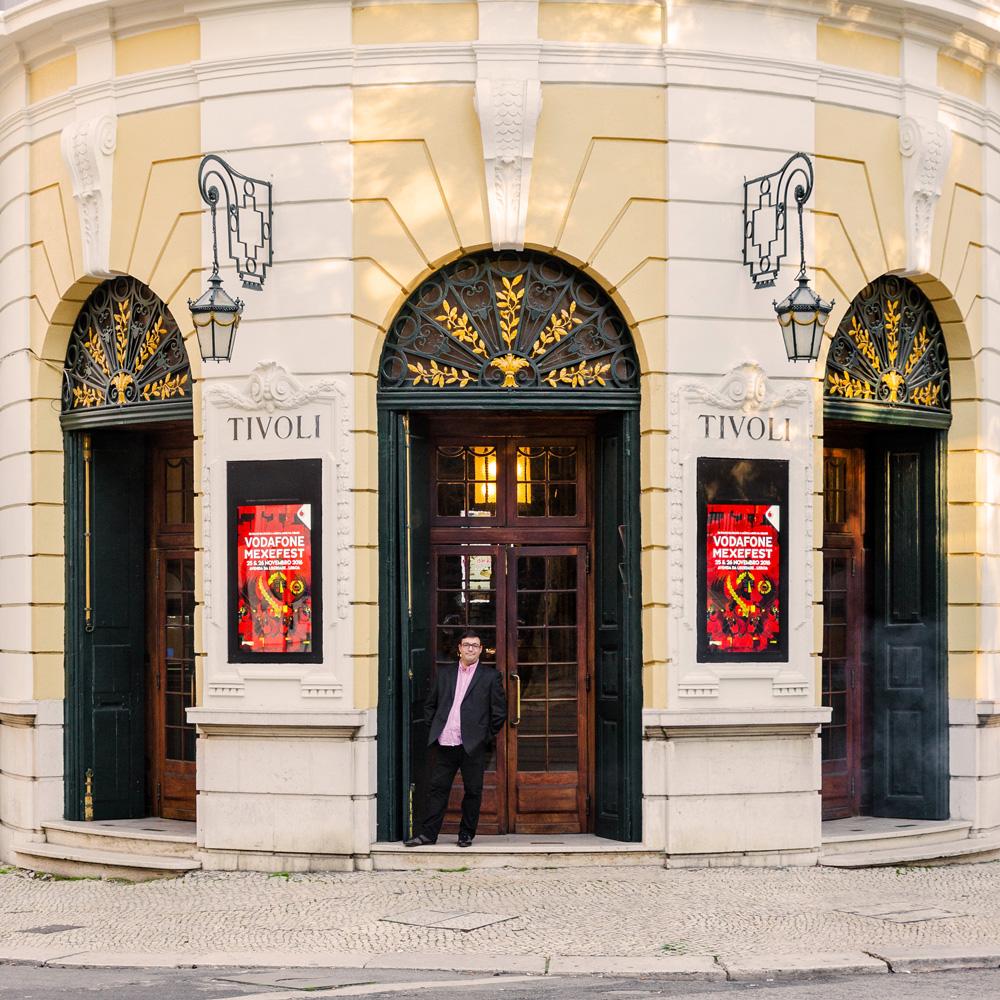 Paulo Dias dirige la compagnie en résidence à l'historique Théâtre Tívoli