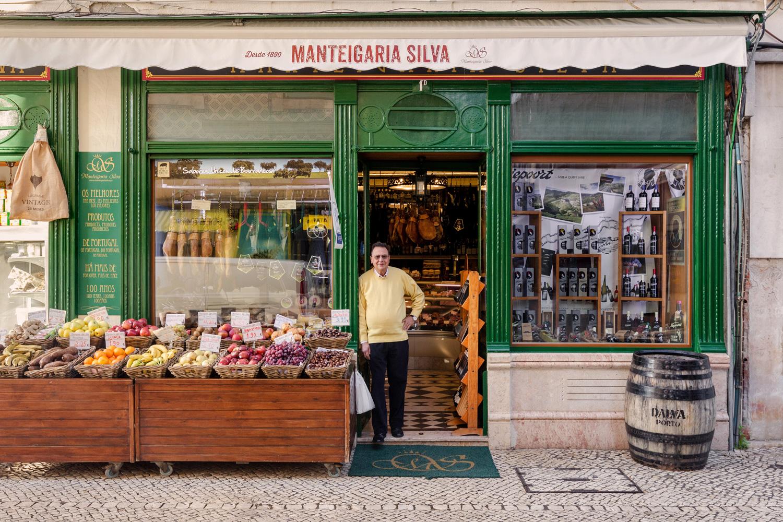 José Branco na sua magnífica mercearia