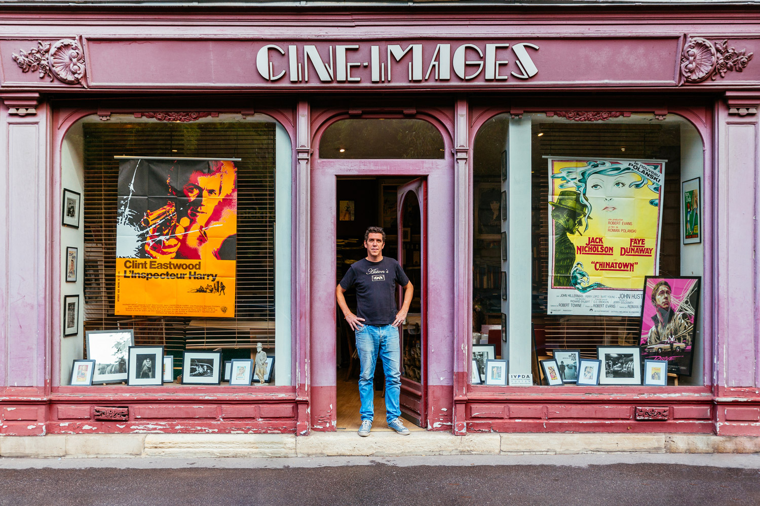 Alexandre Boyer, surrounded by pictures and posters from the history of cinema
