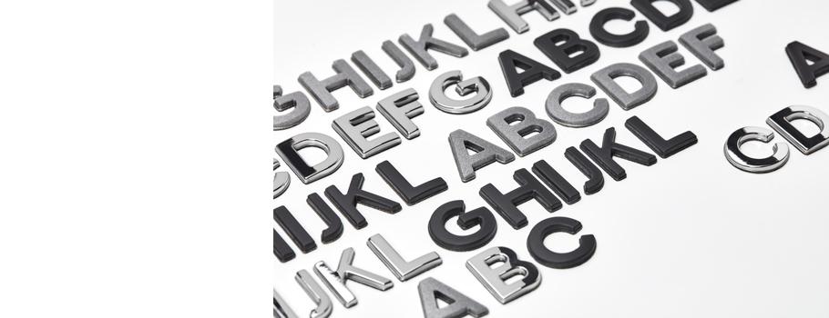 Letras en relieve