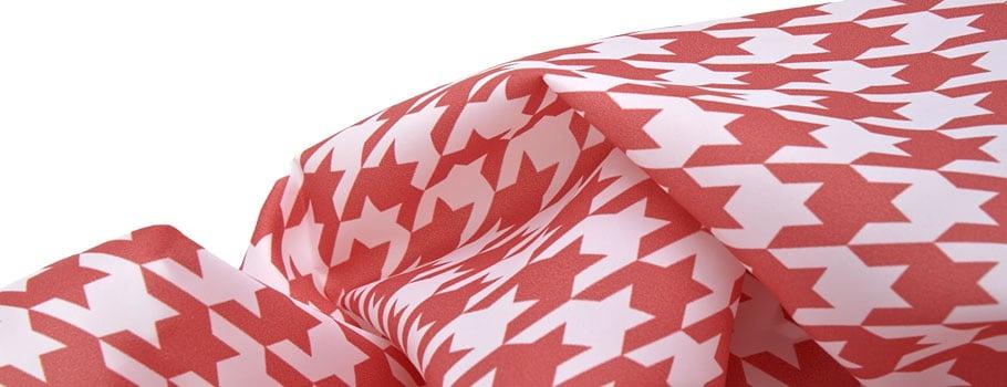 Bandiere e tessuti sintetici