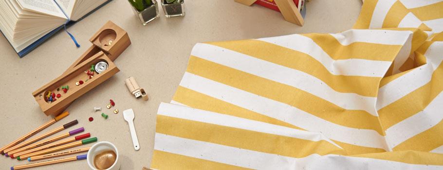 Flaggor och naturtyger