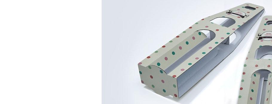 Коробка с окном и ручкой